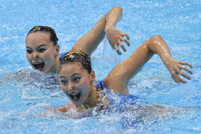 Faces of Synchronized Swimming (3)