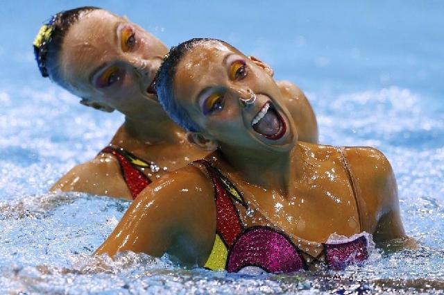 Faces of Synchronized Swimming (9)