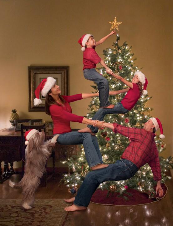 great christmas family photo ideas - 22 Funny Family Christmas Card Ideas