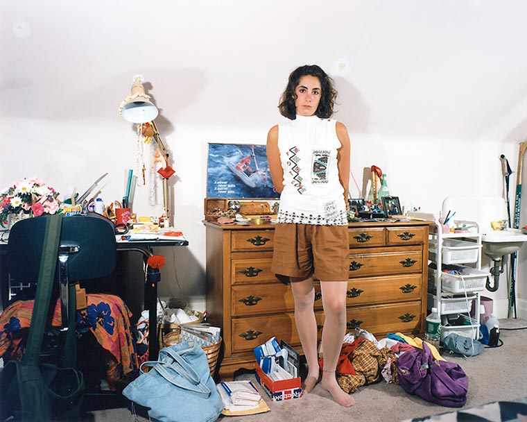 These 90s Teenage Bedroom Photos Immortalize an Awkward Decade on 90 Room  id=64172
